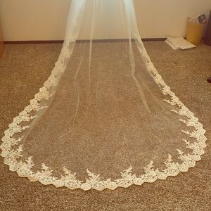Morilee cathedral veil
